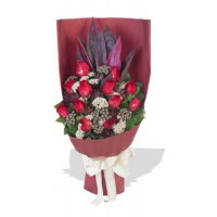 12 Memorable Red Roses Bouquet